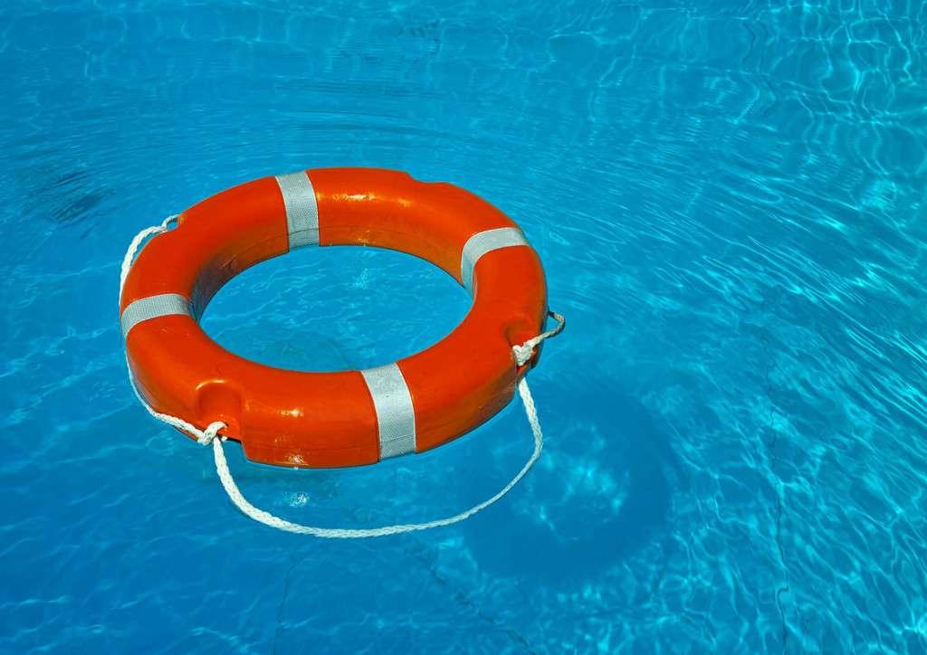 Lifesaving Skills Class Lifesaving Course Swimming